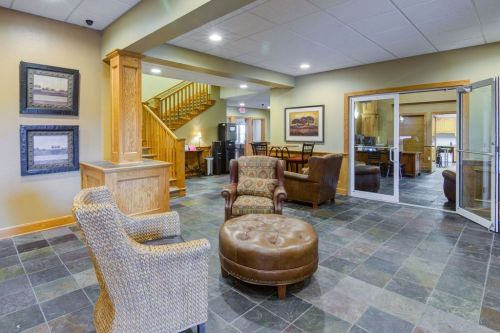 Front Office / Clubhouse